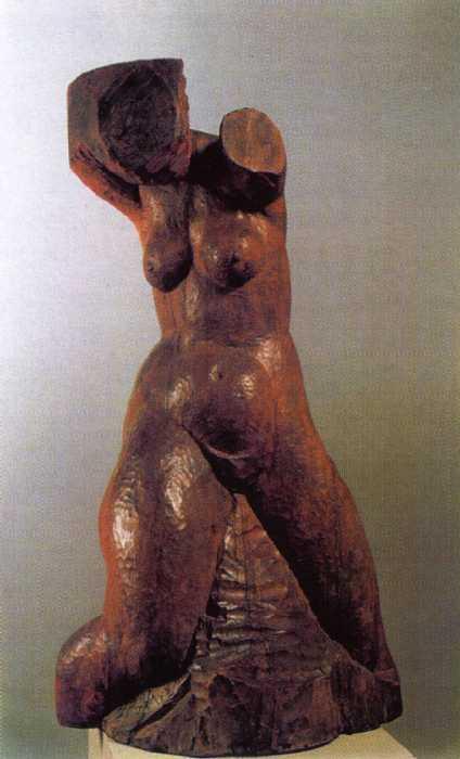 МУХИНА Вера Игнатьевна  Женский торс. 1927. Дерево. Фото: staratel.com