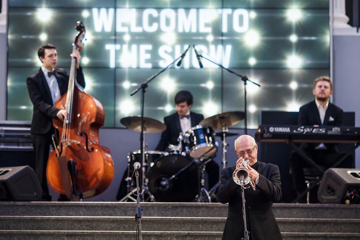 """В рамках праздничной программы """"Wellcom to the show"""" в ДЛТ бесплатные выступления музыкантов"""