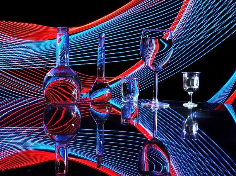 В. Михайлуца. Люминографический натюрморт. 2011. Бумага, цифровая печать