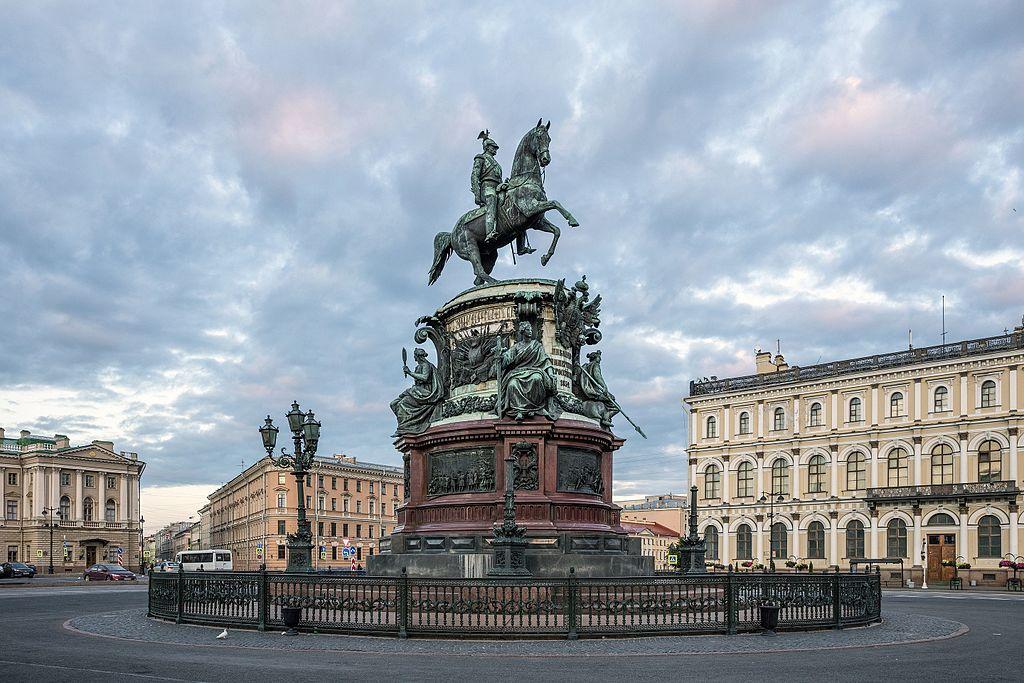 Памятник Николаю I на Исаакиевской площади. Автор фото: Godot13 (Wikimedia Commons)