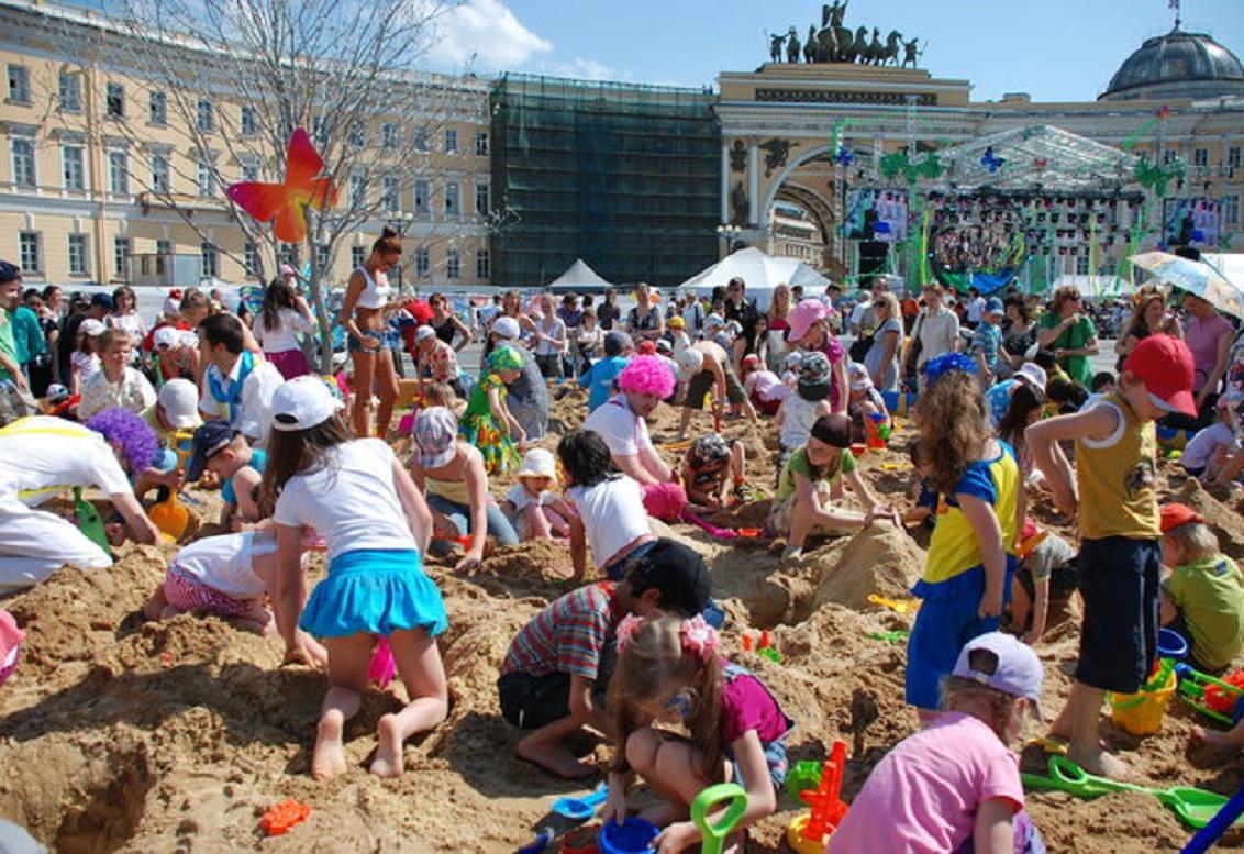 Празднование в Петербурге Дня Защиты Детей. Фото: http://album.foto.ru