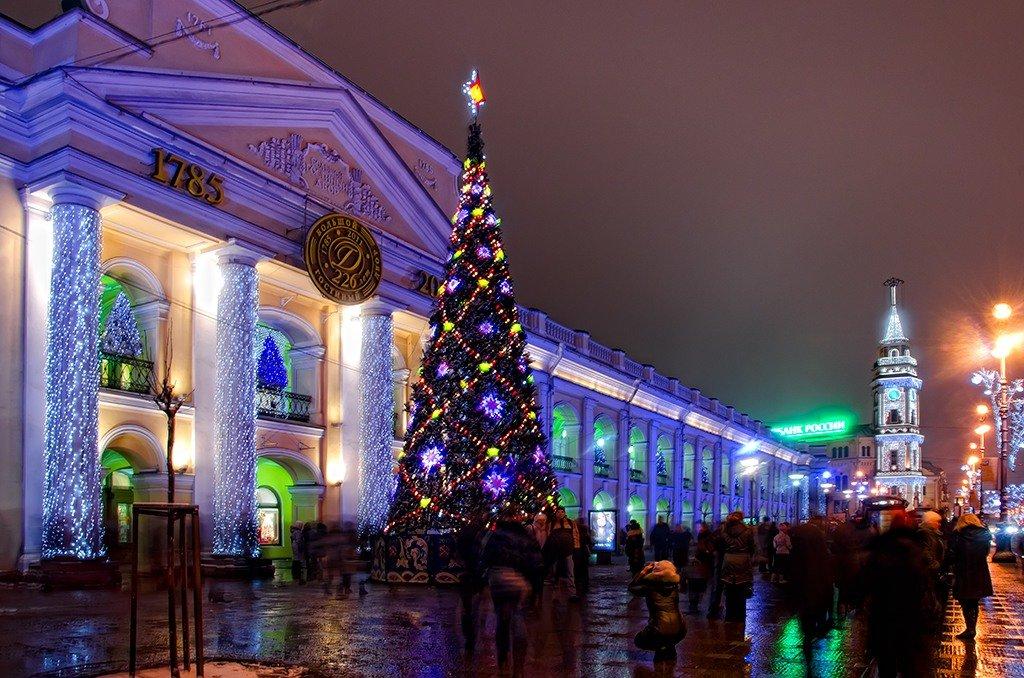 Смотреть Новый 2019 год в Санкт-Петербурге видео
