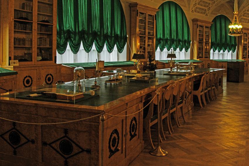 Павловский дворец. Библиотека Росси. Фото: foto-planeta.com