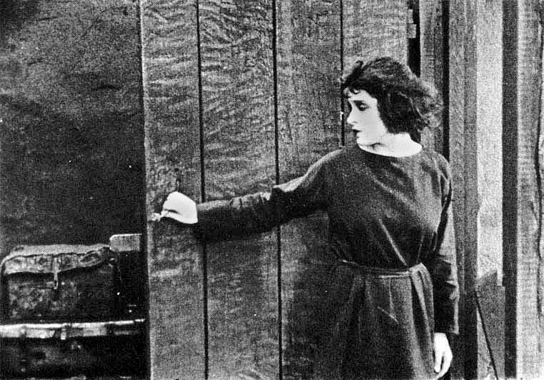 Тина Модотти в фильме В тигровой шкуре, 1920 г. Фото: Pimbrils (Wikimedia Commons)
