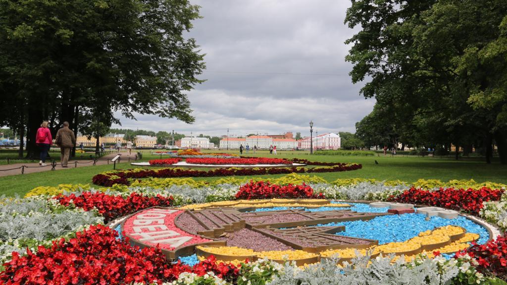 В День России в Александровском саду откроется фестиваль цветов, посвященный Году науки и технологии