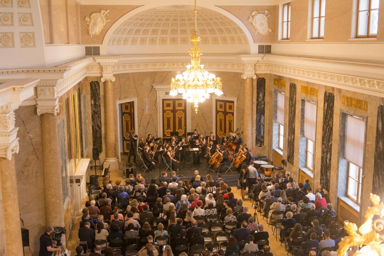Фото с концерта в Михайловском замке. Автор: Мария Сафарьянц (https://vk.com/palacefest)