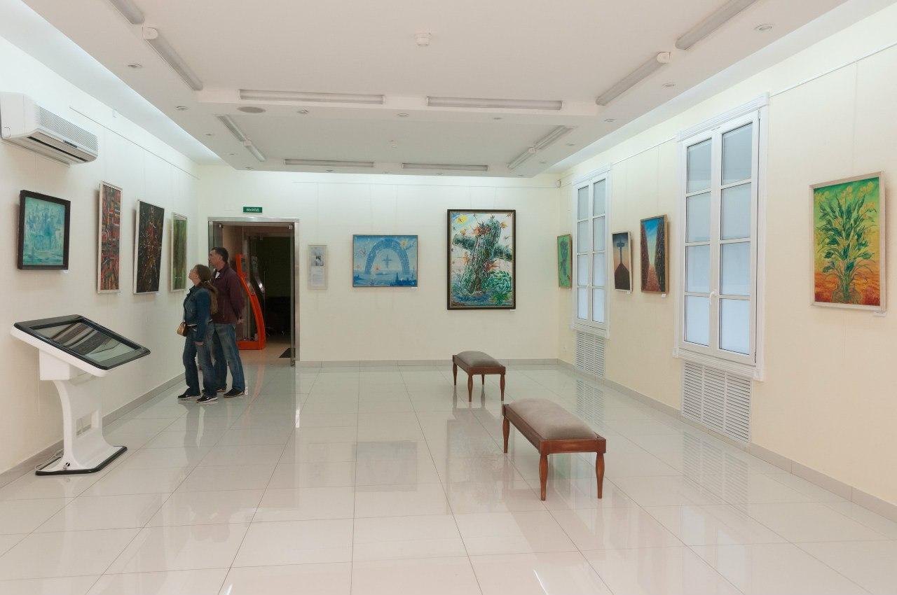 Библиотека с выставочным залом (Филиал № 3) / Выставочный зал Московского района