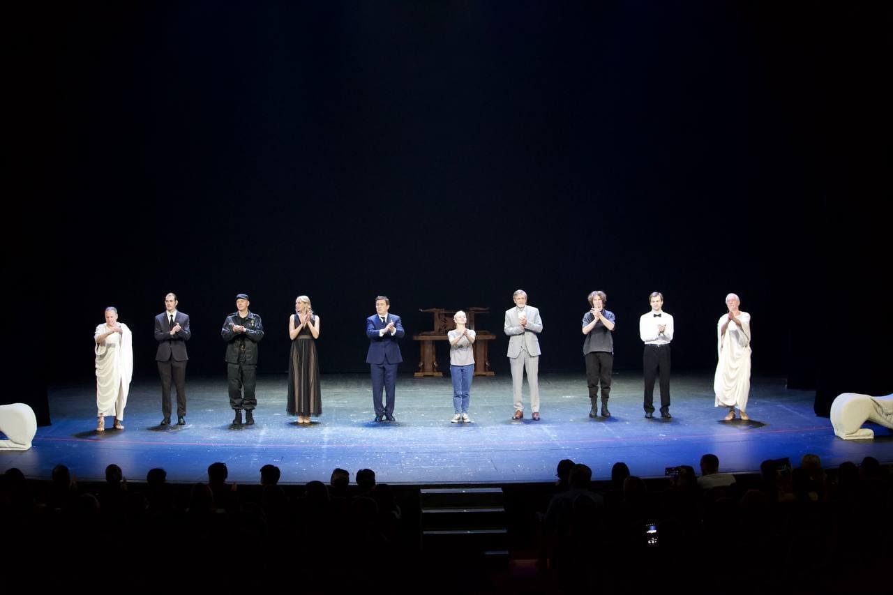 Спектакль «Αντιγονη или Я/МЫ Антигона». Фото: https://vk.com/antigone_bd