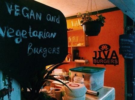 Вегетарианско-веганская бургерная Veg Burgers, источник фото: http://www.blog-fiesta.com