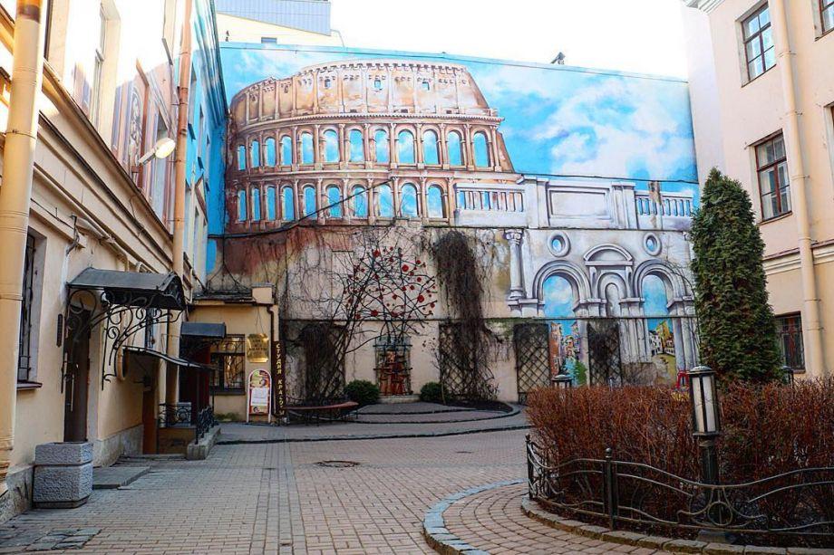 """Колизей"""" на Итальянской улице, фото: Яна Рубина, источник: «Санкт-Петербург.ру»"""