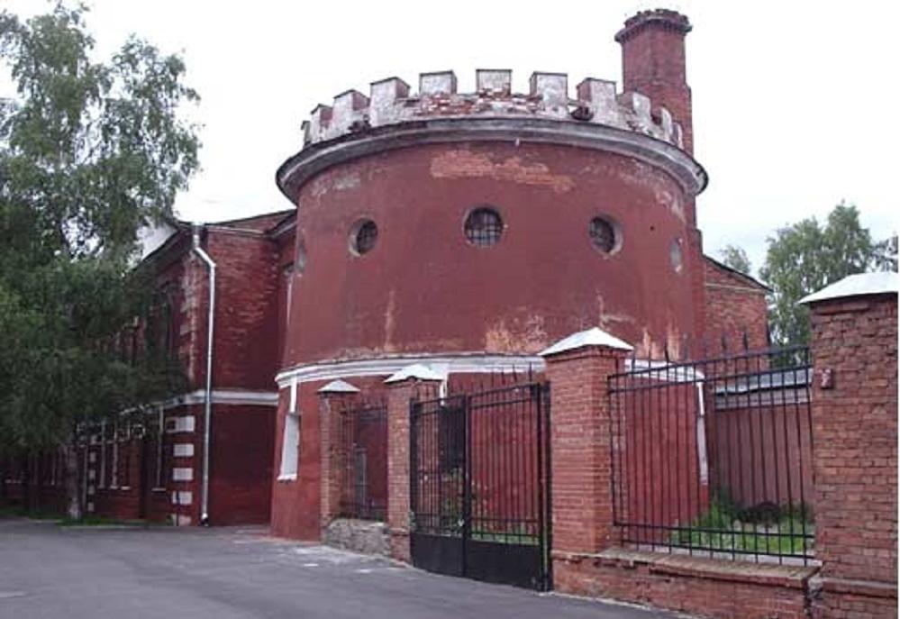 Башня 1-й северной оборонительной казармы. Кронштадтская крепость.
