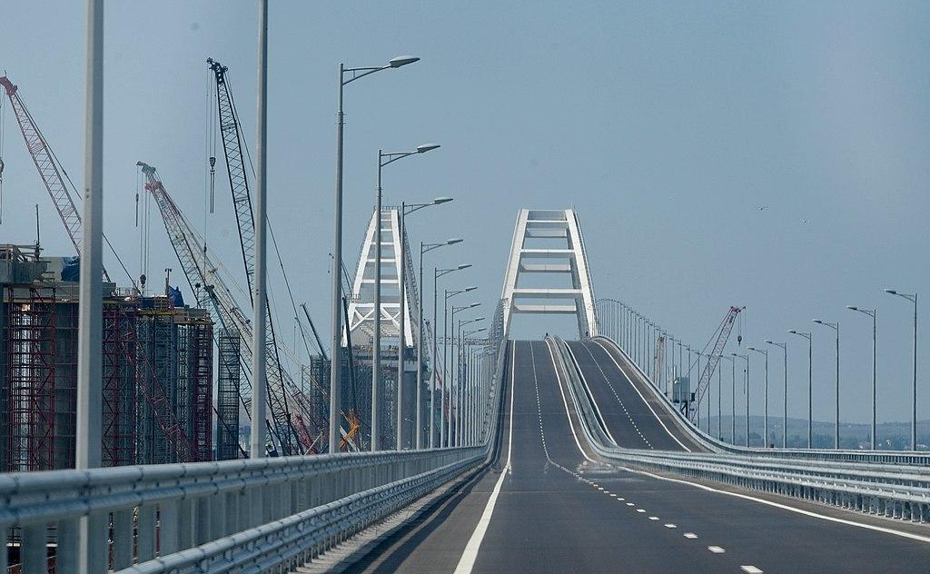 Крымский мост перед открытием его автодорожной части, 15 мая 2018 г. Фото: kremlin.ru