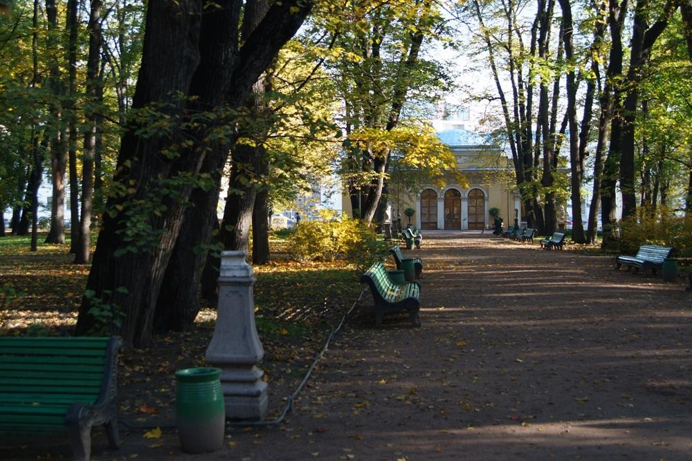 Летний сад. Вид на Кофейный домик. Евгений Со https://commons.wikimedia.org/