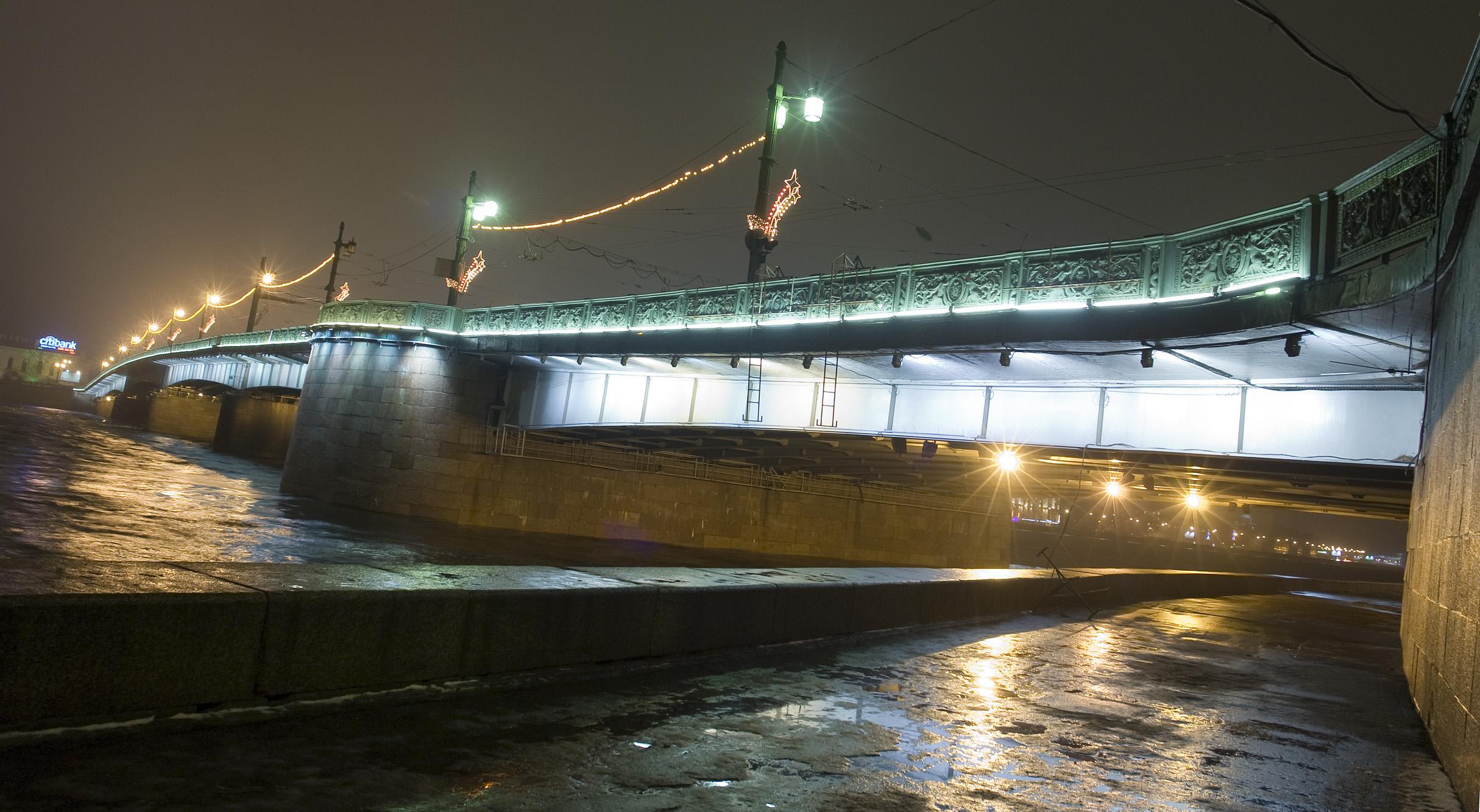 Литейный мост. Автор фото: George Shuklin (Wikimedia Commons)