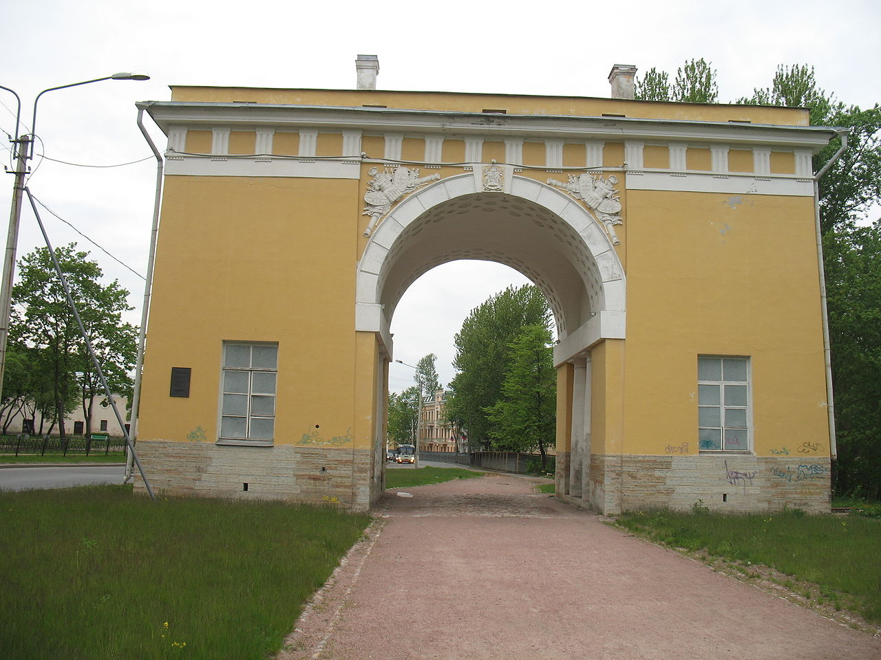 Городские ворота. Автор фото: User:Stassats (Wikimedia Commons)