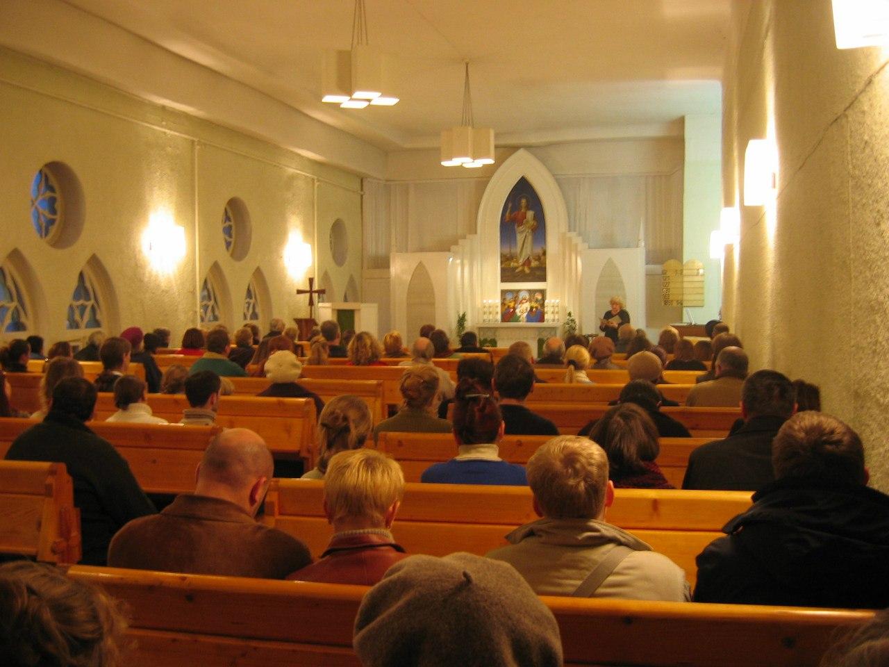 Лютеранская Церковь Святого Михаила - Богослужебный зал, источник фото: https://vk.com/spbstmihail