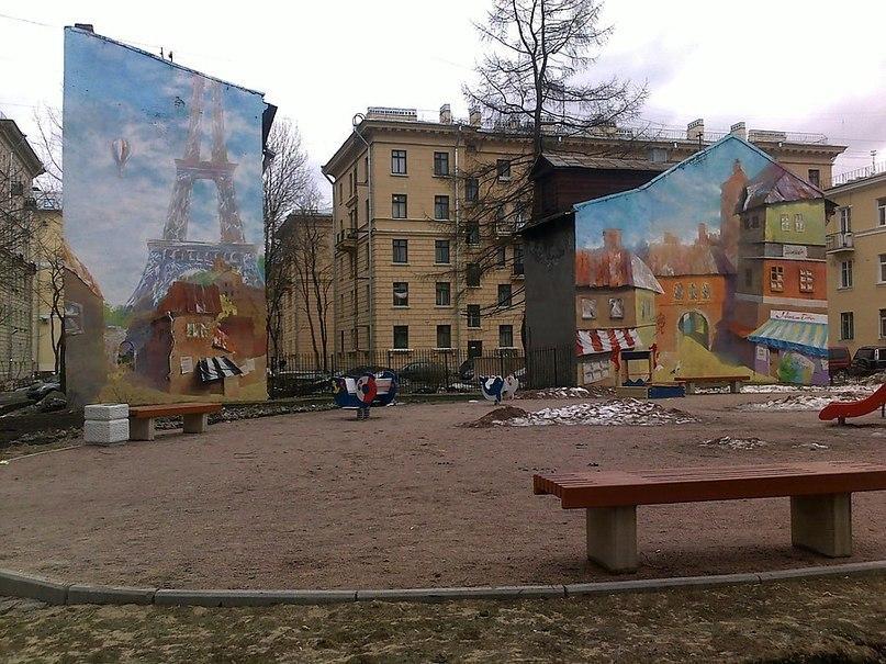 Маленький Париж улица Молдагуловой д. 3 к1, 3 к2, источник фото:  http://piterbu.ru/sobitia/98-mesta-v-pitere/247-parigskii-gvorik?font-size=larger