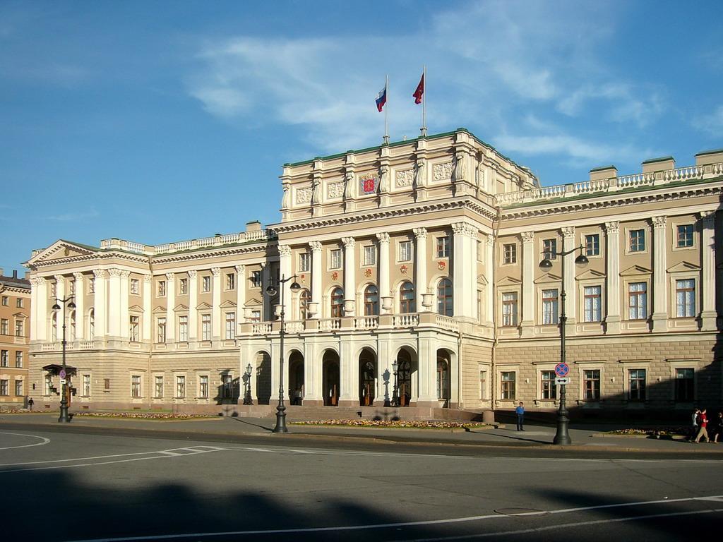 Мариинский дворец. Фото: Geevee (Wikimedia Commons)