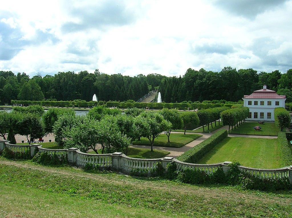 Сады вокруг дворца Марли. Фото: Белоусов Кирилл (Wikimedia Commons)