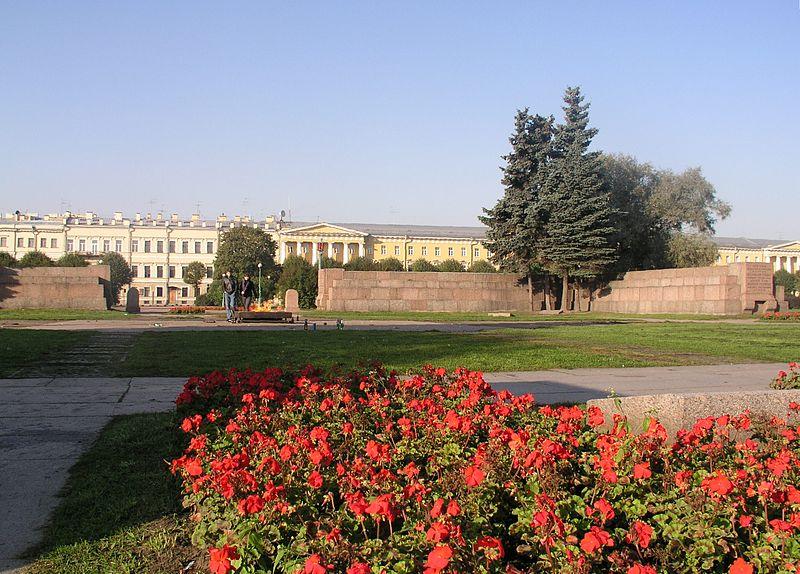 Марсово поле. https://commons.wikimedia.org/