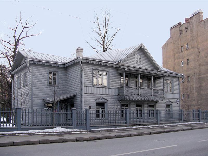 Дом Матюшина (ул. Профессора Попова, дом 10), источник фото: Wikimedia Commons, Автор: MaryannaNesina