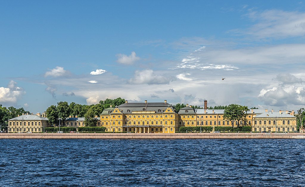 Меншиковский дворец Фото: Florstein (WikiPhotoSpace)