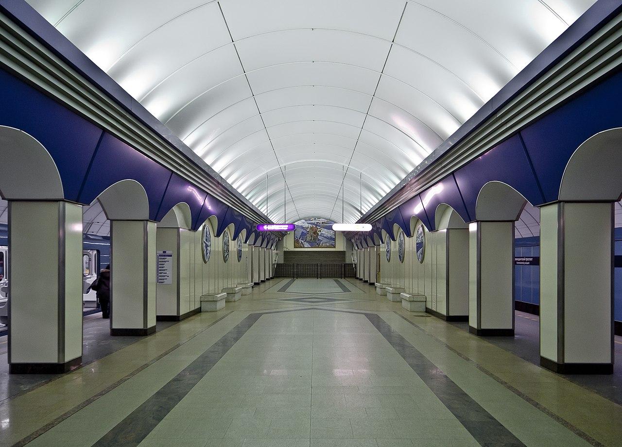 """Станция """"Комендантский проспект"""". Автор фото: Florstein (Wikimedia Commons)"""