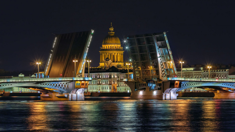 Развод Благовещенского моста. Фото: Олег Данильченко (rosphoto.com)
