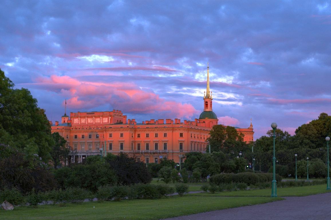 Михайловский (Инженерный) замок. Автор: Грозовский. Источник: https://commons.wikimedia.org/