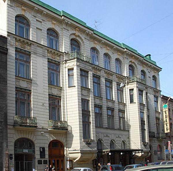 Улица Моховая, 33-35. Фото:  citywalls.ru