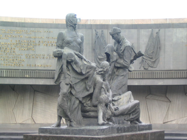 Монумент героическим защитникам Ленинграда. Автор: Southpark, Wikimedia Commons