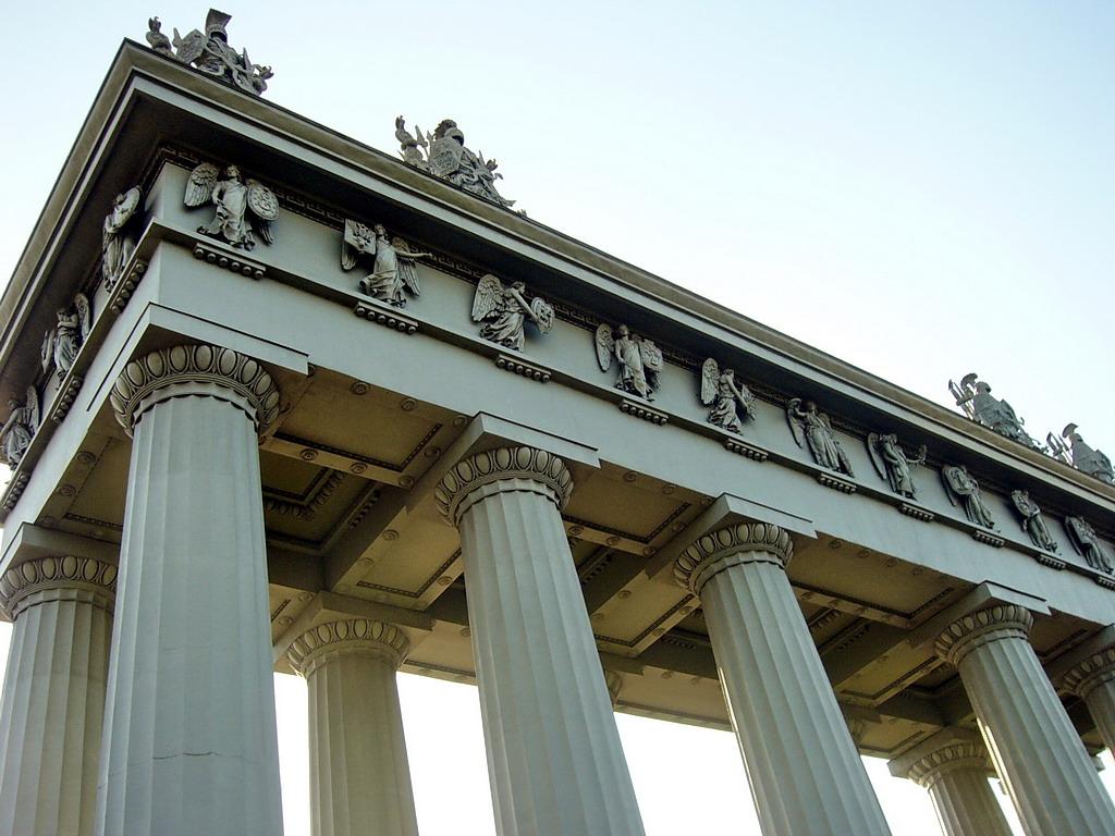 Московские триумфальные ворота. Фото: Geevee (Wikimedia Commons)