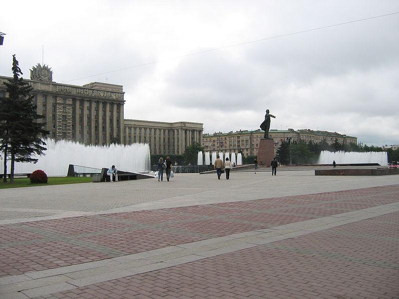 Московская площадь, источник фото: Wikimedia Commons, Автор: User:Yanachka