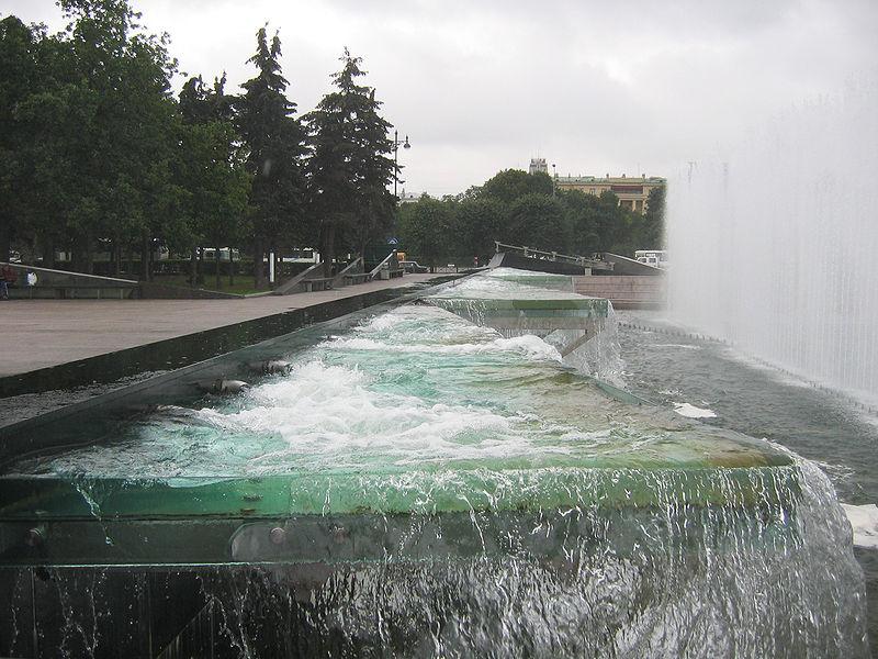 Московская площадь - устройство фонтана, источник фото: Wikimedia Commons, Автор: User:Yanachka