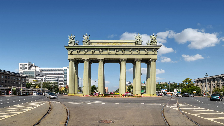 Московские Триумфальные ворота. Автор: Alex 'Florstein' Fedorov, Wikimedia Commons