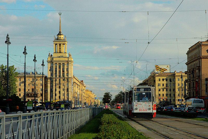 Московский проспект в районе Парка Победы, Генеральский дом, источник фото: Wikimedia Commons, Автор: Михаил Медвинский