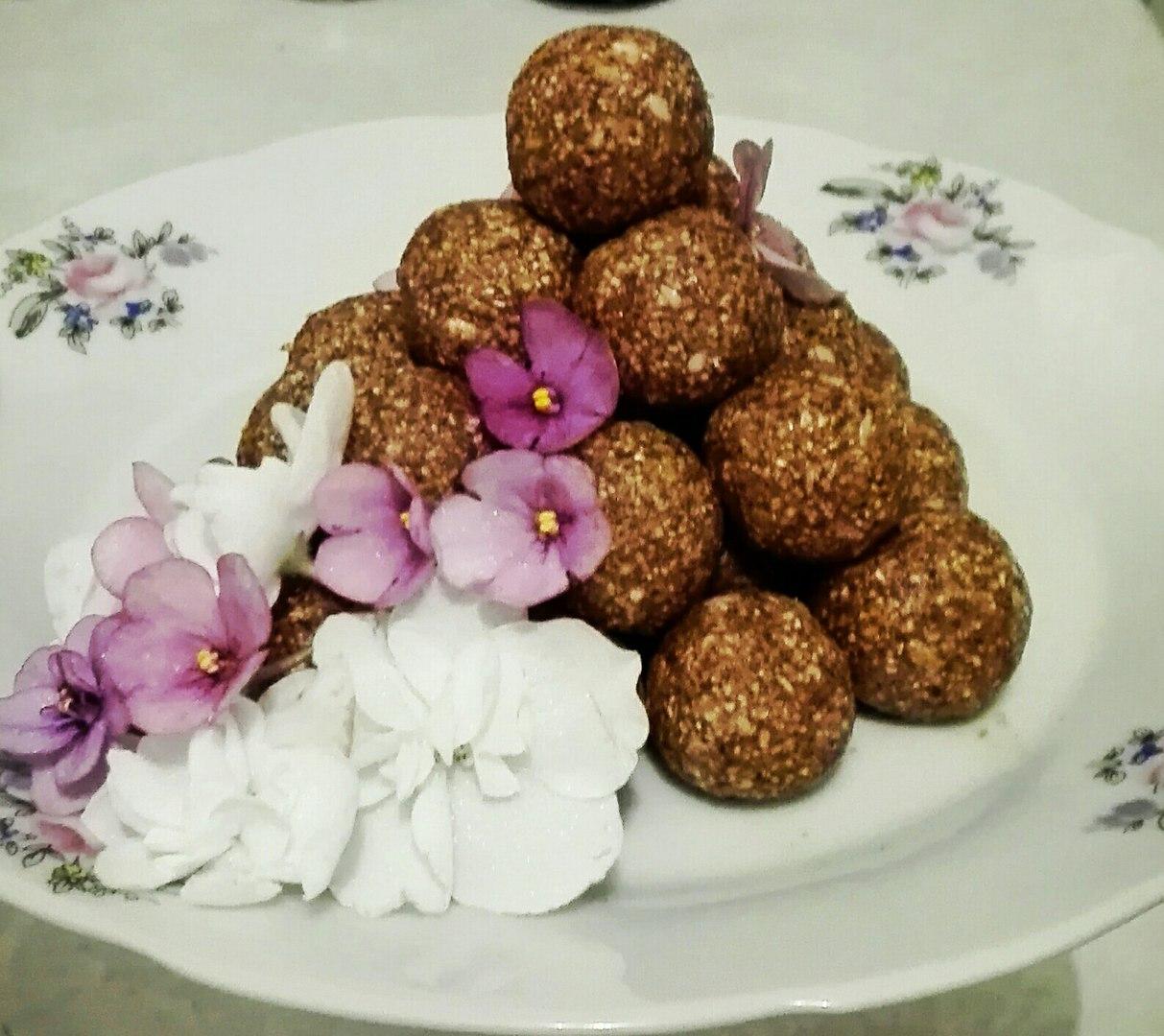 Ореховые конфетки, источник фото: https://vk.com/dukanofficial Автор: Катя Шевчишена
