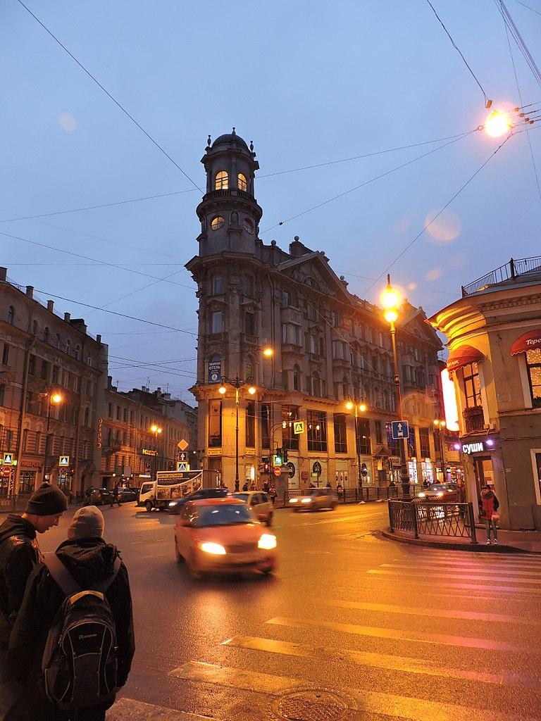 Начало Разъезжей улицы. Фото: Monoklon (Wikimedia Commons)