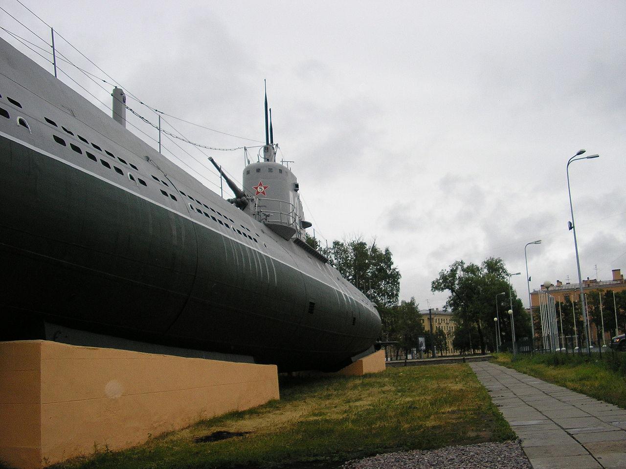 "Фотография музейной подводной лодки Д-2 ""Народоволец"" типа Декабрист. Автор фото: Цимбалистый Дмитрий Петрович (Wikimedia Commons)"