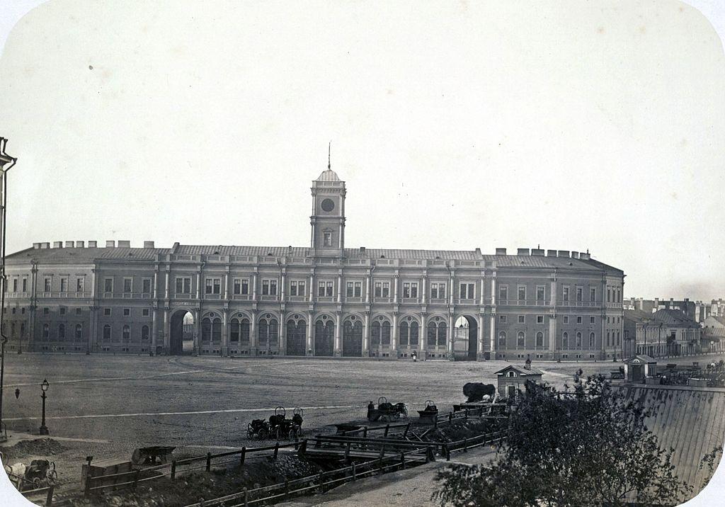 Здание вокзала Петербург-Московской железной дороги, 1861-1864 гг. Фото: Goffert (Wikimedia Commons)