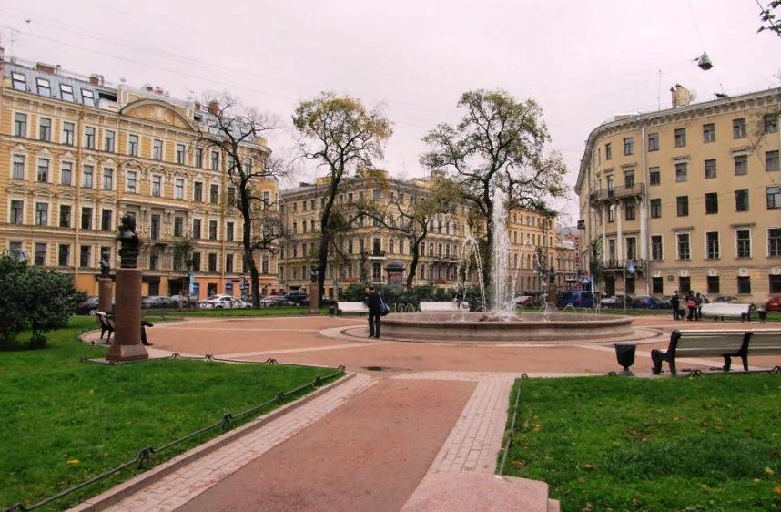 Ново-Манежный сквер. Фото: Capricorn_n (tripadvisor.ru)