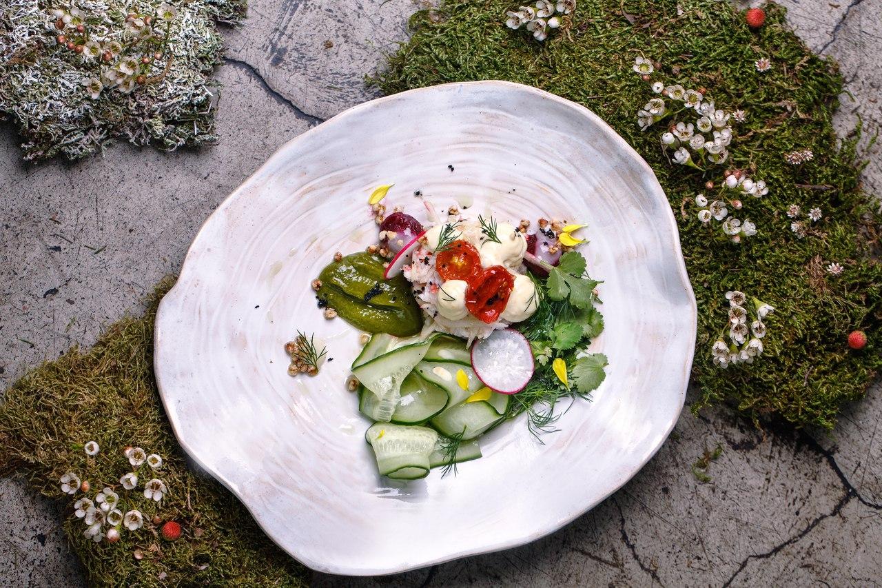 Новый салат с дальневосточным крабом, источник фото: https://vk.com/tastetoeat