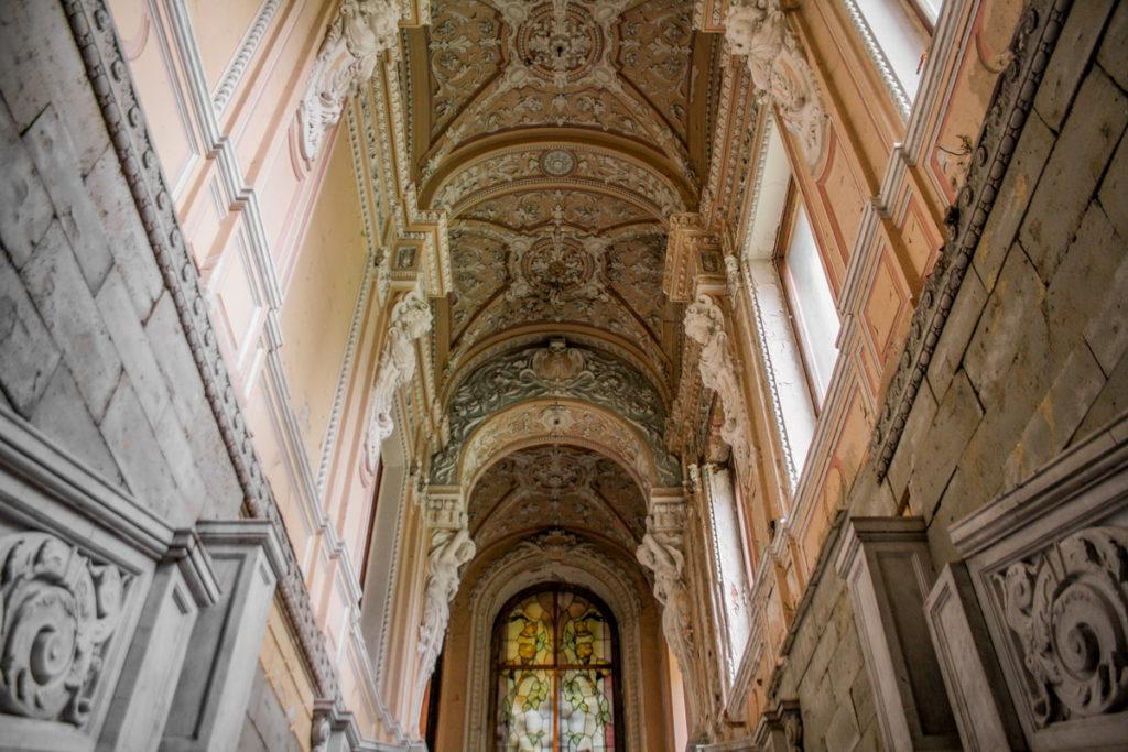 Сохранившиеся интерьеры особняка Брусницыных, фото с сайта https://gnomlive.ru/