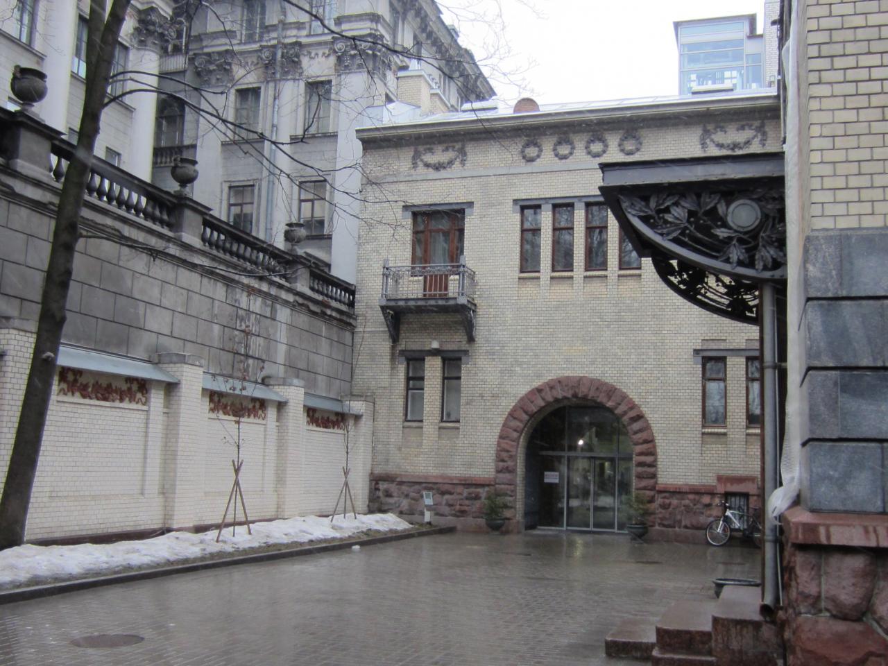 Вход в Музей политической истории. Фото: citywalls.ru