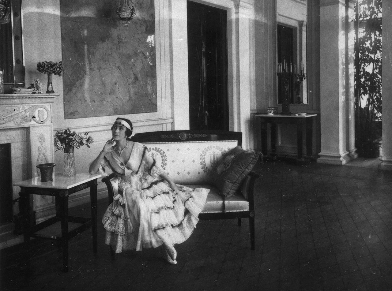 М. Кшесинская в Белом зале. Фото: citywalls.ru
