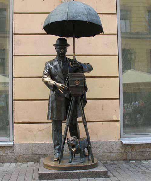 Памятник фотографу, источник фото: http://kudago.com/spb/place/pamyatnik-fotografu-spb/