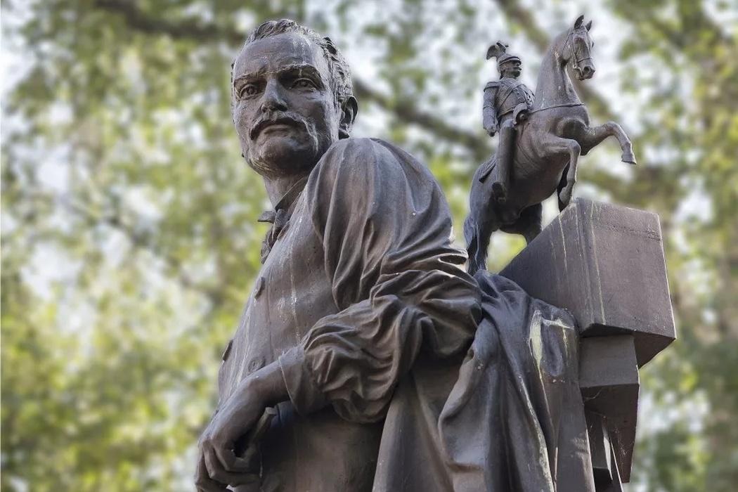 Памятник Петру Клодту, фото с сайта Visit-petersburg.ru