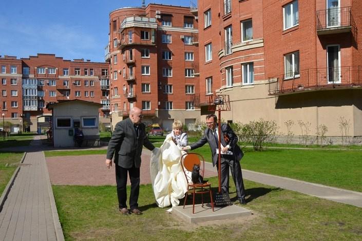 Памятник, посвященный кошке из блокадного Ленинграда