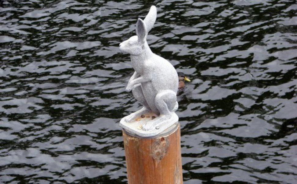 Памятник Зайцу, источник фото: http://wikimapia.org/2265722/ru/Памятник-Зайцу