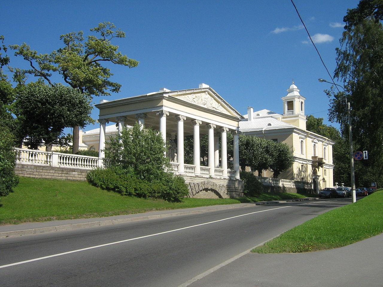 Павловск. Павловский парк, Павильон трёх граций. Автор фото: Peterburg23 (Wikimedia Commons)